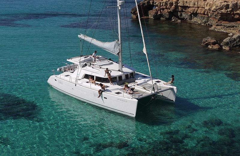 alquiler catamaran ibiza lagoon 440
