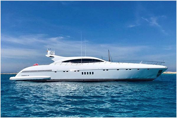 alquiler de barcos en Ibiza yates