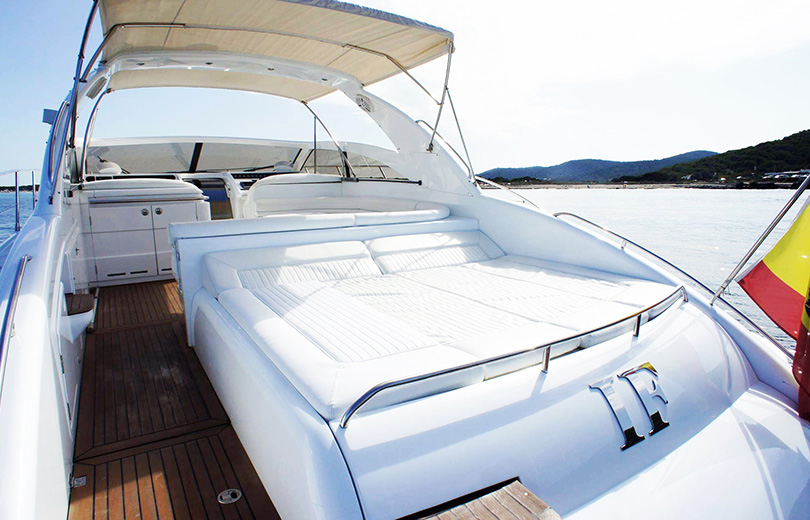 rent-yacht-ibiza-princess-V55