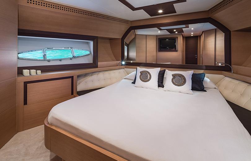 rent boat in ibiza pershing 72