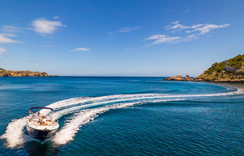 Alquiler de lancha Cap Camarat 7.5 wa S2 en Ibiza